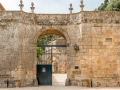 abbaye de Fontfroide/Porte sur la cour d'honneur
